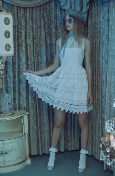 womens-style-inspiration-blue-white-lace