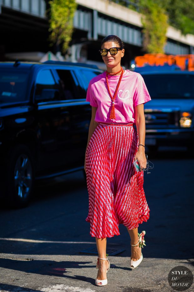 womens-fashion-outfit-pink-bright-colors-chic-sunglasses