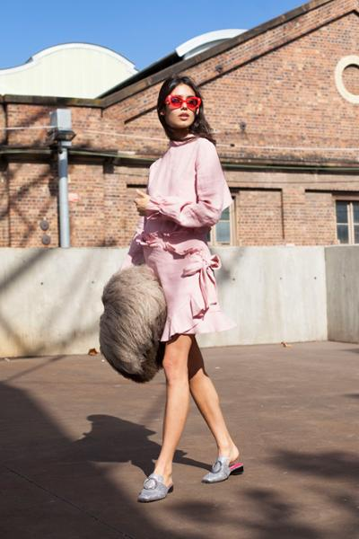 womens-fashion-inspiration-pink-bright-colors-chic-sunglasses-fuzzy