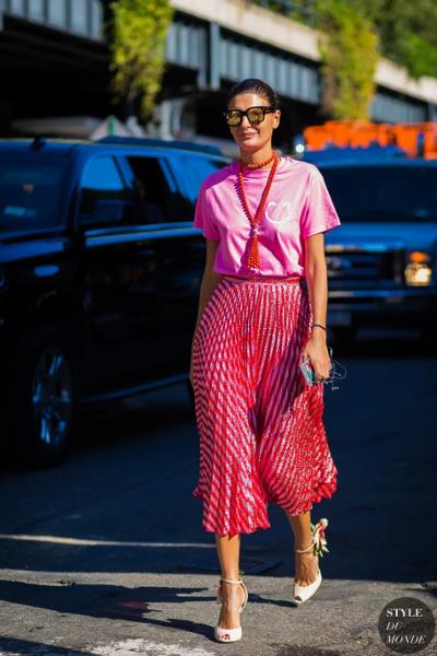 womens-fashion-look-pink-bright-colors-chic-sunglasses
