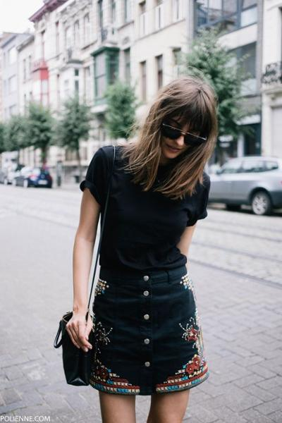 womens-fashion-photography-black-embroidery-chic-sunglasses