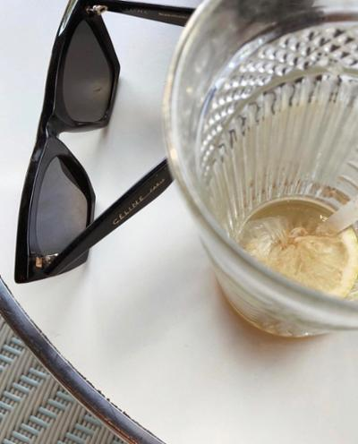 womens-fashion-inspiration-black-gold-chic-sunglasses