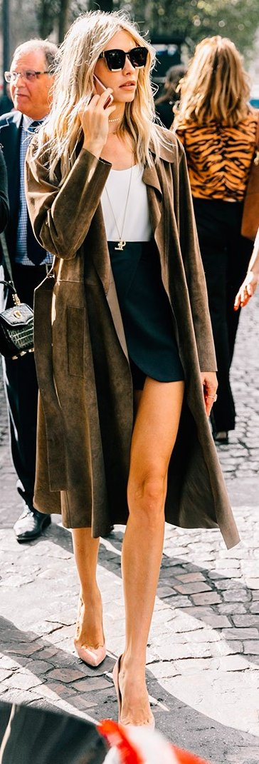 womens-fashion-inspiration-green-light-coats-black-and-white-chic-sunglasses