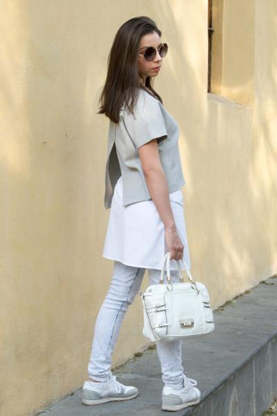 womens-fashion-ideas-grey-sportswear-skinny-pants-chic-sunglasses