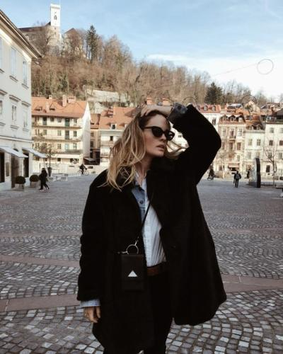 womens-fashion-look-winter-coats-multicolor-wide-belts-chic-sunglasses