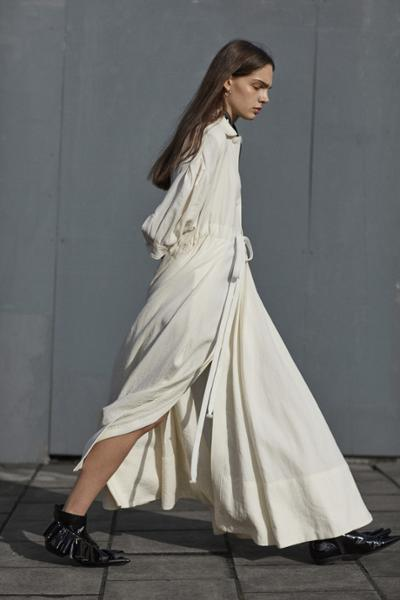 womens-fashion-outfit-white-long-skirts