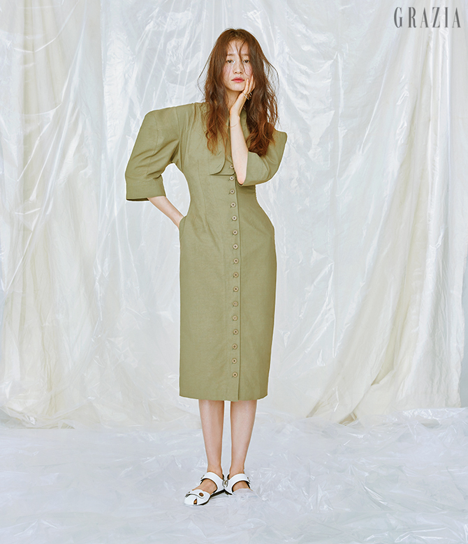 womens-fashion-photography-green-khaki-one-color-military