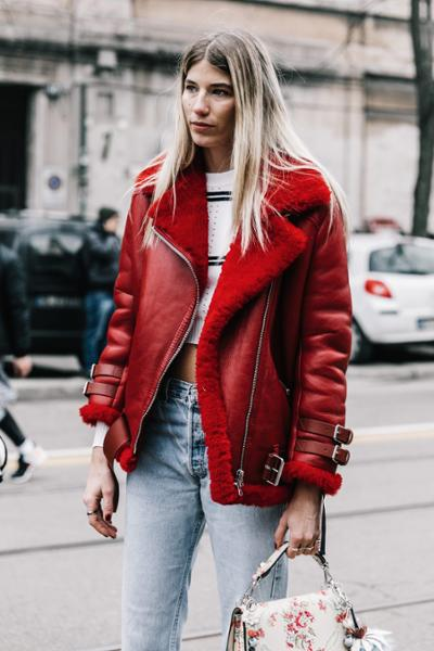 womens-fashion-inspiration-red-denim-motorcycle