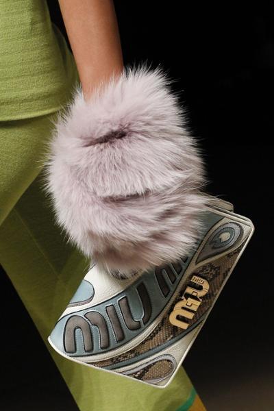 womens-fashion-photography-pastels-fur