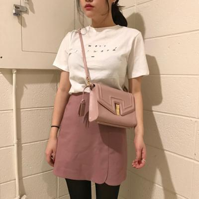 womens-fashion-photography-pink-pastels-leather