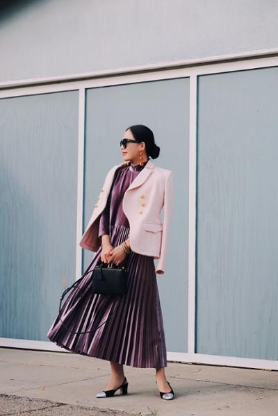 womens-fashion-outfit-pink-pleats
