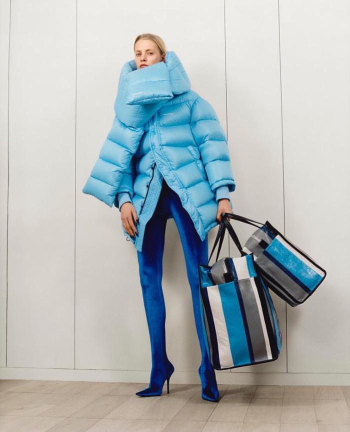 womens-fashion-outfit-blue-stripes-puffer-coats