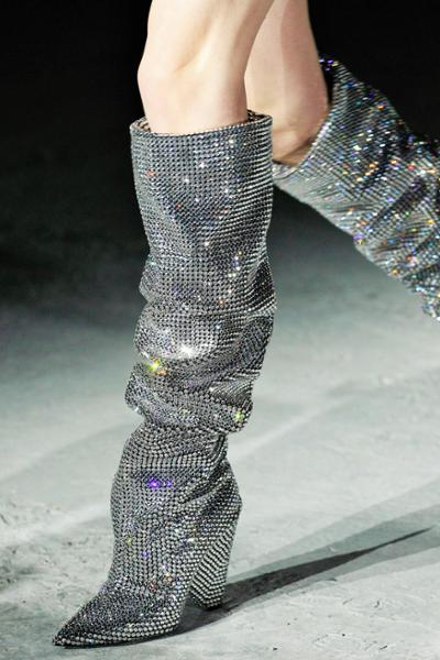 womens-fashion-inspiration-silver-tall-boots