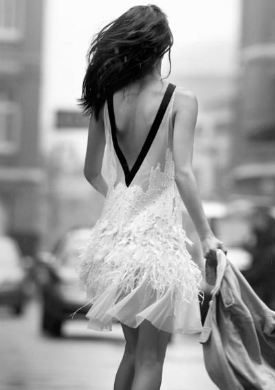 womens-fashion-ideas-transparent-feathers-black-and-white