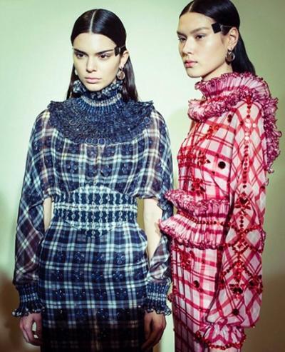 womens-fashion-inspiration-red-blue-plaid-turtlenecks
