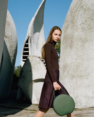 womens-fashion-ideas-brown-leather-turtlenecks