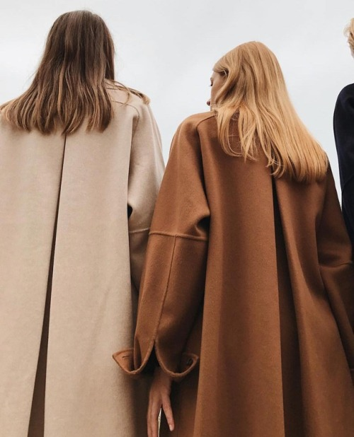 womens-fashion-photography-winter-coats-brown-camel