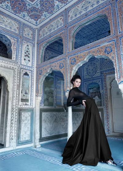womens-fashion-ootd-transparent-turtlenecks-all-black-long-skirts