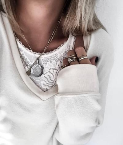 womens-fashion-outfit-beige-big-jewelry-all-white
