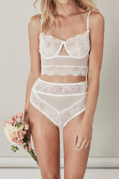womens-fashion-ootd-white-lace-all-white