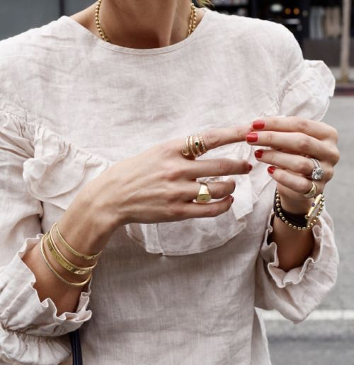 womens-fashion-ideas-white-ripped-big-jewelry