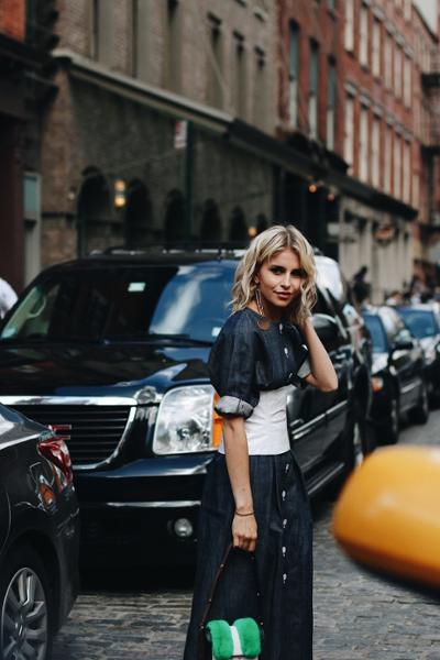 womens-style-inspiration-denim-big-jewelry-wide-belts