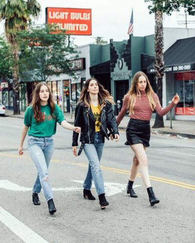 womens-fashion-ideas-black-leather-denim