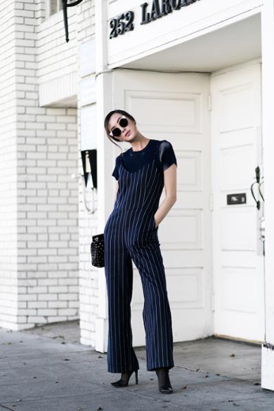 womens-fashion-inspiration-navy-black-stripes