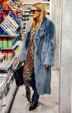 womens-fashion-ootd-blue-fur