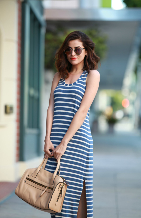 womens-fashion-outfit-blue-white-stripes