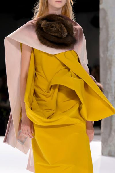 womens-style-inspiration-capes-and-ponchos-yellow-one-color-bright-colors
