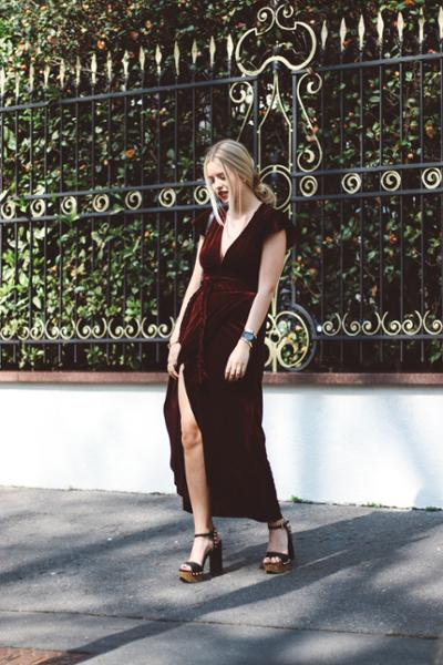 womens-fashion-outfit-burgundy-velvet