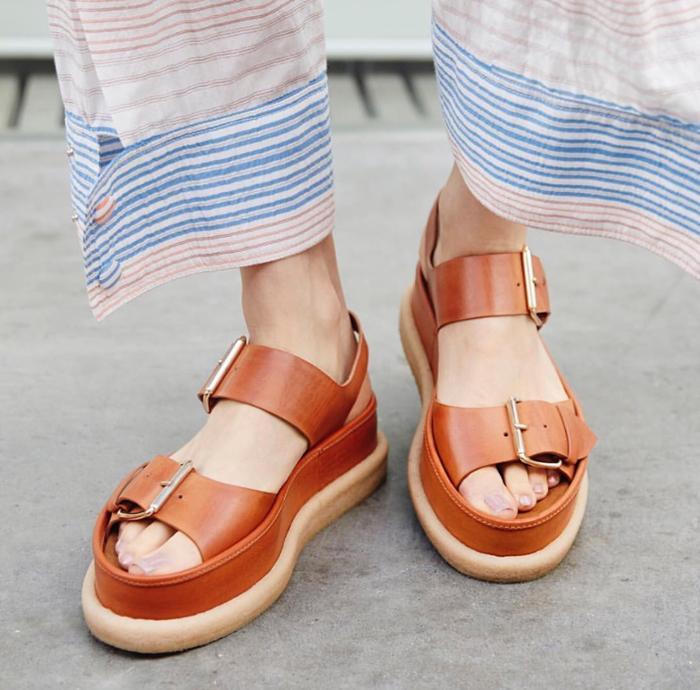 womens-fashion-ootd-buckles-camel-stripes