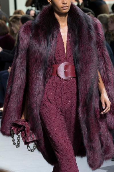 womens-fashion-ideas-fur-burgundy-chain-bags