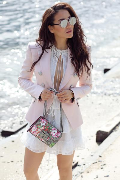 womens-fashion-ideas-florals-pink-chain-bags-chic-sunglasses