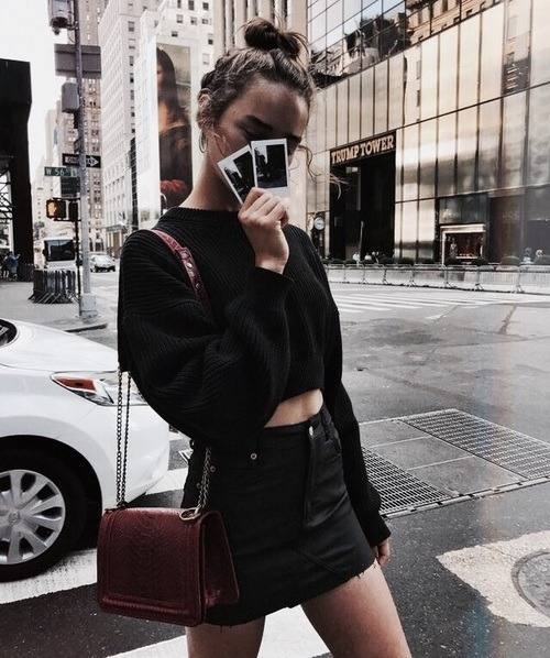 womens-fashion-ootd-crop-tops-burgundy-chain-bags