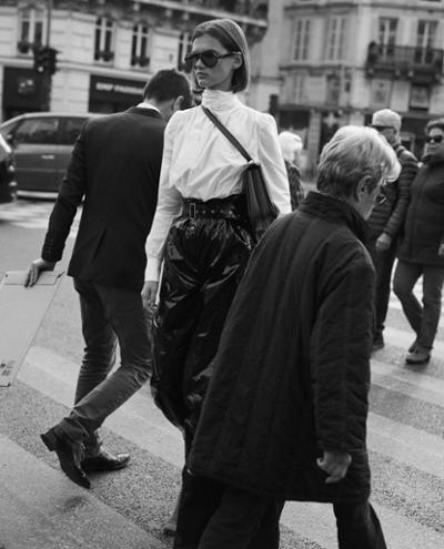 womens-fashion-ootd-black-and-white-turtlenecks-wide-belts-chic-sunglasses