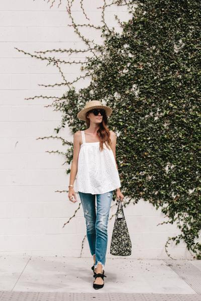 womens-fashion-outfit-denim-embroidery