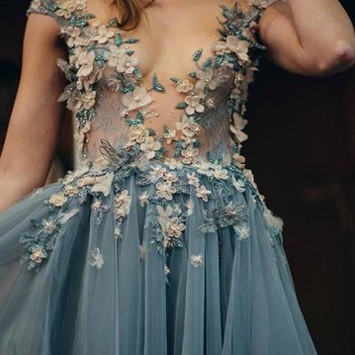 womens-fashion-ideas-florals-blue-mesh