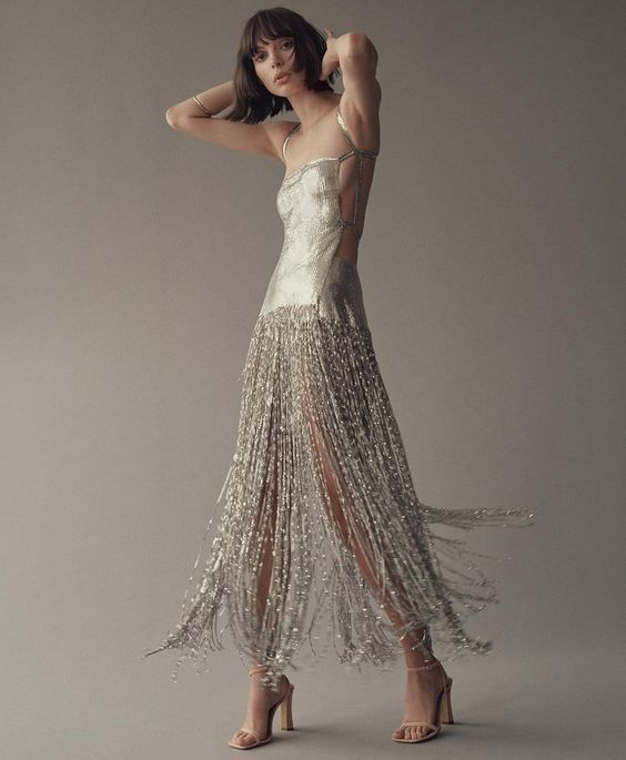 womens-fashion-look-fringe-mesh