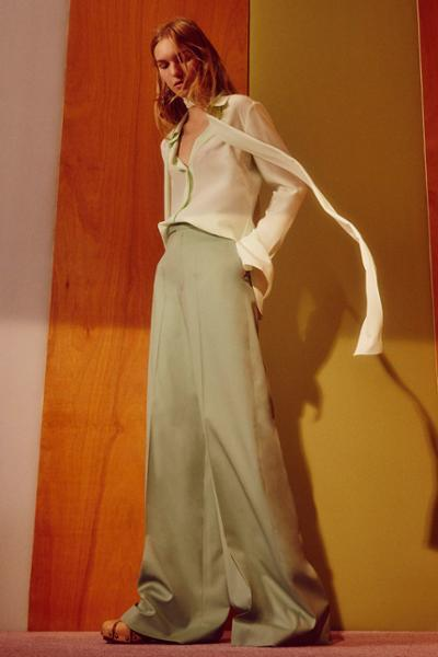 womens-fashion-outfit-green-silk-and-satin-flared-pants
