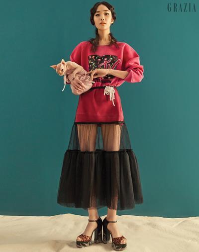 womens-fashion-look-pink-black-pleats-long-skirts