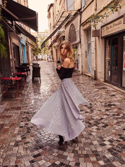 womens-fashion-inspiration-black-stripes-long-skirts