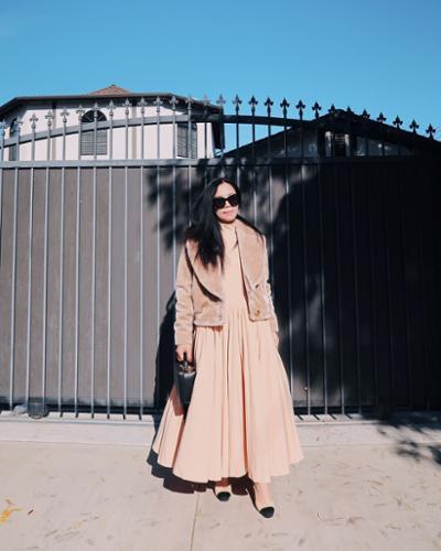 womens-fashion-ideas-pink-pleats-long-skirts