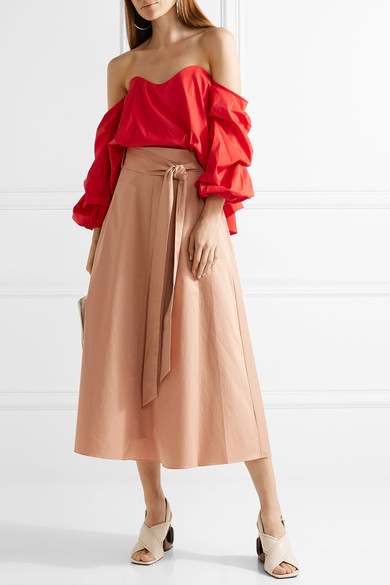 womens-fashion-outfit-red-long-skirts