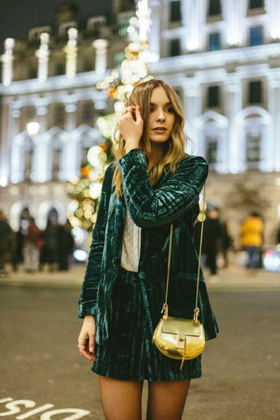 womens-fashion-inspiration-green-gold-velvet-one-color