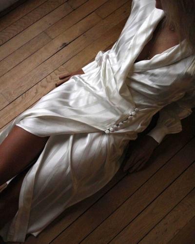 womens-fashion-photography-silk-and-satin