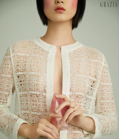womens-fashion-look-white-mesh