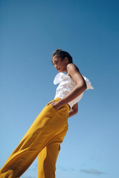 womens-fashion-outfit-yellow-white-ruffles