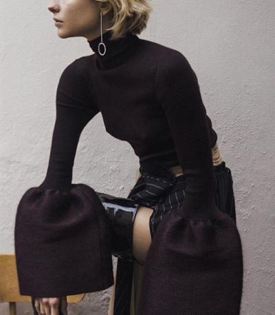 womens-fashion-look-big-jewelry-turtlenecks-wide-belts-all-black